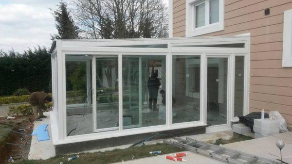 Cam çatı beyaz renk woswagen sürme sistem kış bahçesi modelleri