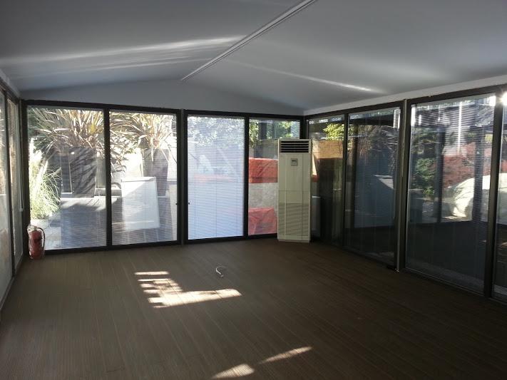 Boyut Film Kapalı Çatı Etrafı Kömmerling pvc pencere sistemli kış bahçesi modeli